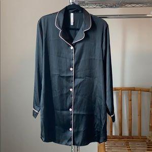 Robe / Sleepwear / Pajamas